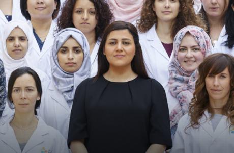 H L Oreal γίνεται η γέφυρα των γυναικών με την επιστημονική έρευνα